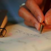 écrire avec un stylo à bille